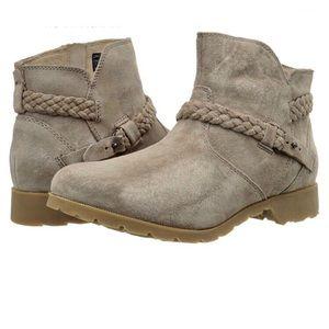 TEVA tan waterproof suede Delavina ankle boots 6.5